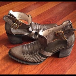 Freebird by Steven Blake Ankle Bootie Sandals 9